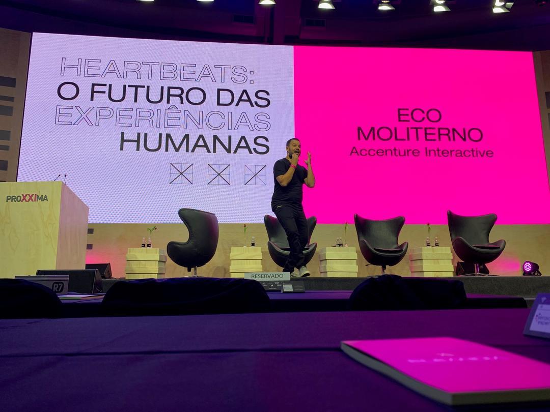Heartbeats: O futuro da experiência humana