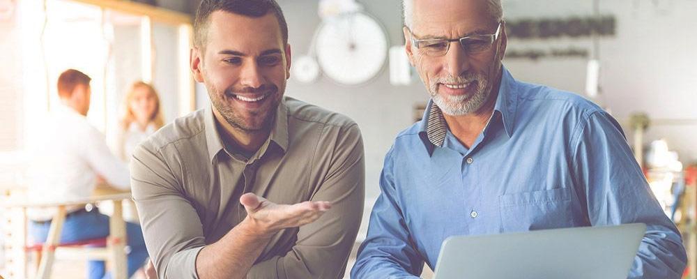 Contratar pessoas com mais de 50 anos é uma boa solução para o seu negócio?