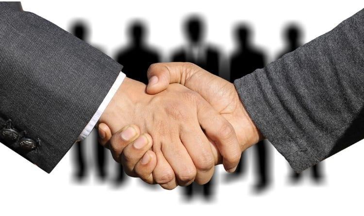 Central de Negócios no Varejo: Quais os Benefícios e Desafios?