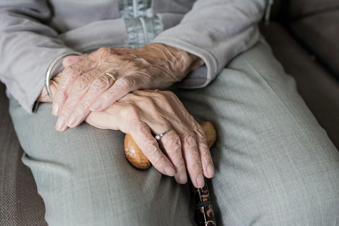 Educação financeira para idosos: o perigo dos empréstimos consignados