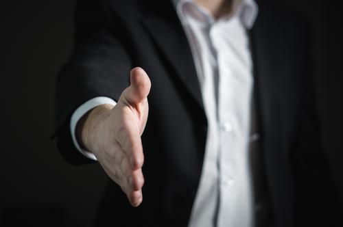 ENTENDER PARA MELHOR ATENDER. Conheça bem seus clientes. Nós só nos relacionamos bem com quem conhecemos.