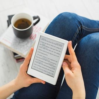 Como melhorar sua fluência em um idioma? Que tal começar com um e-reader?