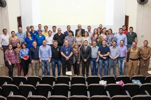 Araucária: Sociedade forte município forte!