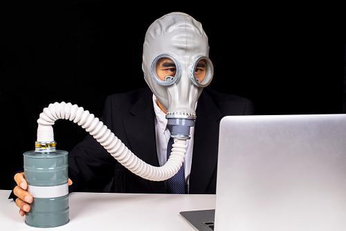 Agora, as empresas é que estão precisando de ventilador pulmonar
