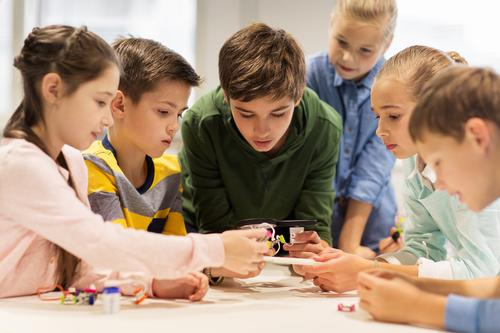 Como a robótica pode aproximar crianças e transformar a educação